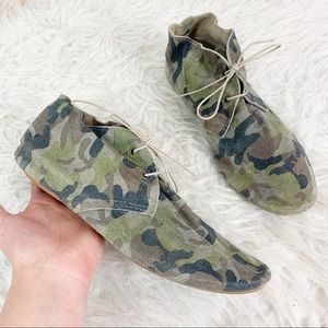 ANNIEL Soft Suede Ankle Boot Lace Up Camouflage